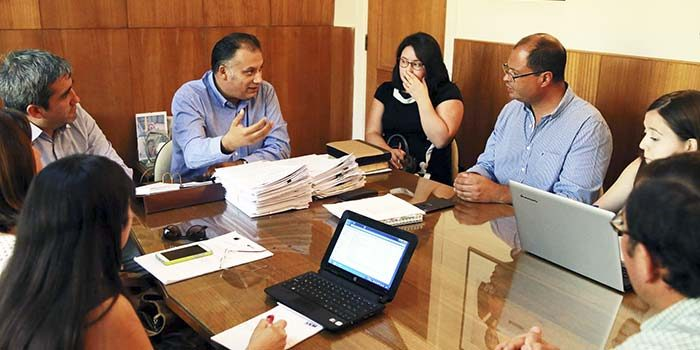 Municipio de San Fernando coordina reunión para abordar malos olores emanados por frutícola