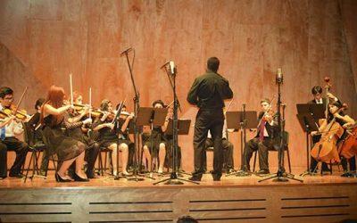 Orquesta juvenil de Mostazal se presenta en la Universidad Católica de Santiago