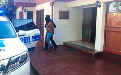 PDI detiene a mujer con nueve órdenes de detención por hurto en Santa Cruz
