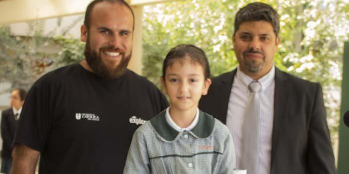 Premian a estudiantes que participaron en desafío Encuentra agua en el universo
