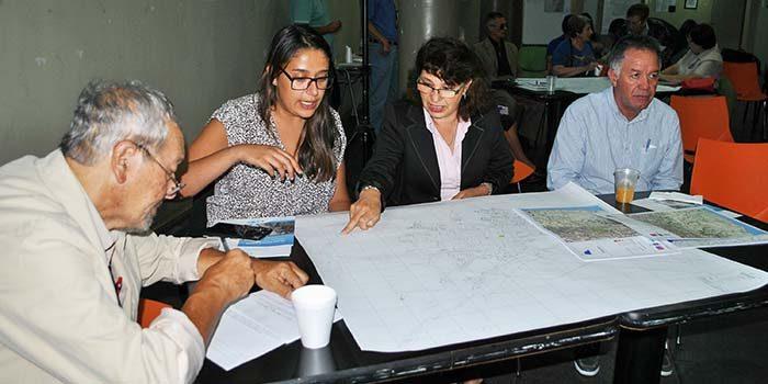 Sanfernandinos debaten sobre el plan regulador comunal en diálogo ciudadano
