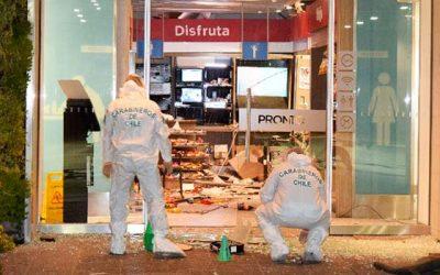 carabineros Roban cajero automático en servicentro de Los Lirios
