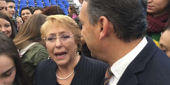 Alcalde de Machalí pide a Bachelet apurar recursos para conectividad