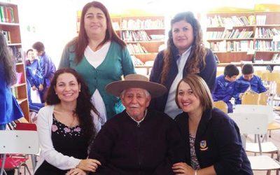 En Pumanque presenta libro Vida y obra de Víctor Lecaros, poeta grande en pueblo chico