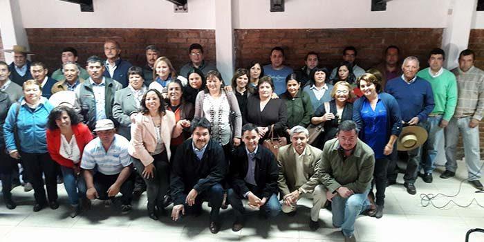 Entrega de incentivos económicos a 200 apicultores y ganaderos del secano de la Región