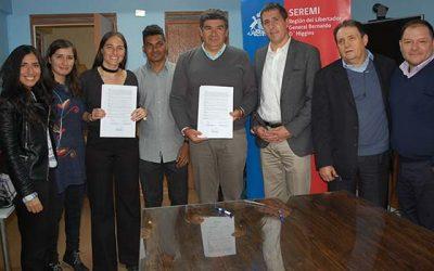 Alianza entre Ministerio de Educación y Pacific Hydro refuerza el inglés en Coya