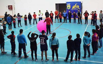 Director de la federación internacional de Kin Ball realiza clinica en Mostazal