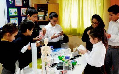 Escuelas de Valdebenito y los Quillayes podrán experimentar con la ciencia
