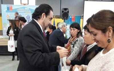 Ministro de Energía entrega subsidios a leñeros y se reúne con dirigentes sociales en la Región