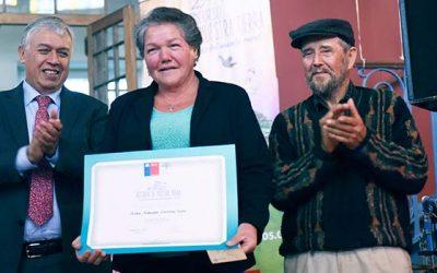 Mujer de Las Cabras obtiene segundo lugar nacional en poesía en concurso literario