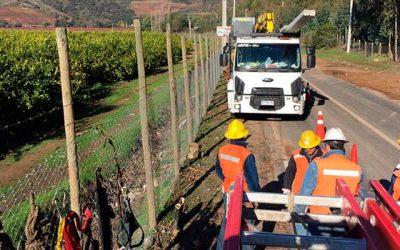 CGE Distribución trabaja en terreno por corte de suministro eléctrico en OHiggins