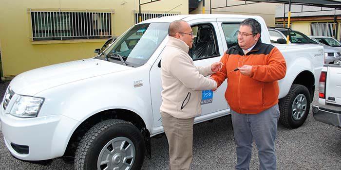 Cesfam centro y oriente de San Fernando cuentan con nuevos vehículos