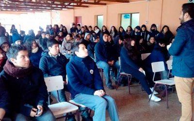 Injuv O'Higgins realiza charla sobre la reforma laboral a jóvenes del Liceo de Coltauco