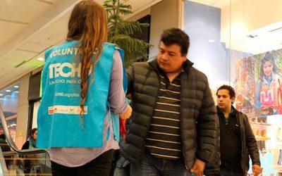 Miles de voluntarios de TECHO-Chile se despliegan en las principales esquinas de la región para recaudar fondos