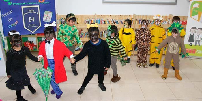 Niños de prekinder del colegio Pablo Garrido de Rancagua reciben rincón de juegos