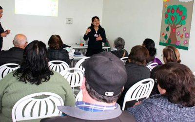 Diabéticos de Salud Machalí aprenden y adquieren herramientas sobre el uso de insulina