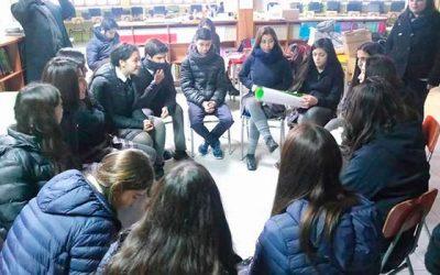 Injuv OHiggins realiza charla sobre violencia en el pololeo en el colegio de Santa Cruz