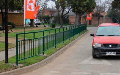 Vecinos celebran la instalación de vallas peatonales en villa Sagasca