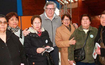 Adultos mayores de Rancagua reciben recursos entregados por el municipio