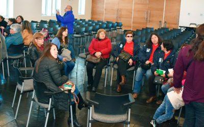 Dirigentas sociales participaron de taller organizado por Minvu y Sernameg