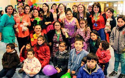 Funcionarios del consultorio infantil del Hospital de Rancagua celebran el día del niño