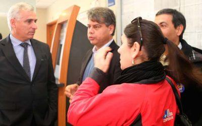 Intendente se querella contra responsable de agresión a funcionarios de Cesfam