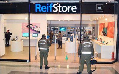 Millonario robo afecta tienda comercial de Apple