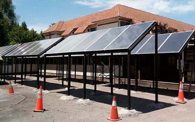 Moderno sistema de calderas y paneles solares en Hospital San Fernando ha optimizado el recurso energético