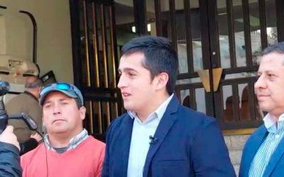 Vecinos de Litueche presentan a intendente 3.500 firmas para reabrir acceso a playa Topocalma