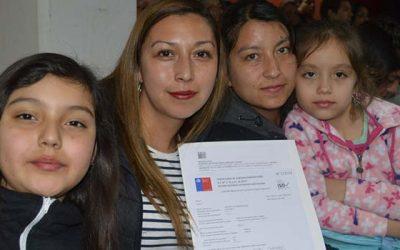 40 familias de Rengo reciben felices sus subsidios habitacionales
