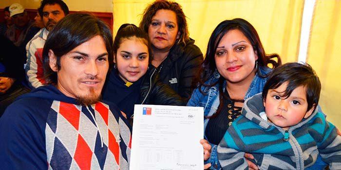 90 familias de Cachapoal reciben sus subsidios habitacionales para sectores medios