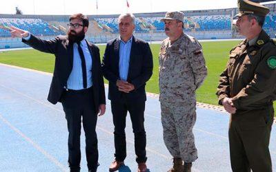 Autoridades inspeccionan estadio El Teniente por desfile del 2 de octubre