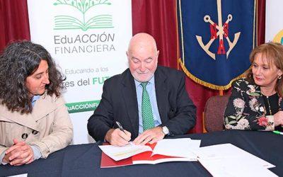 Equifax Chile se suma a programa de educación financiera que capacitará a 3300 estudiantes de la región