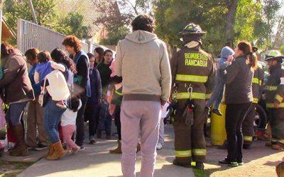 Fuga de gas en jardín infantil obliga evacuación de emergencia