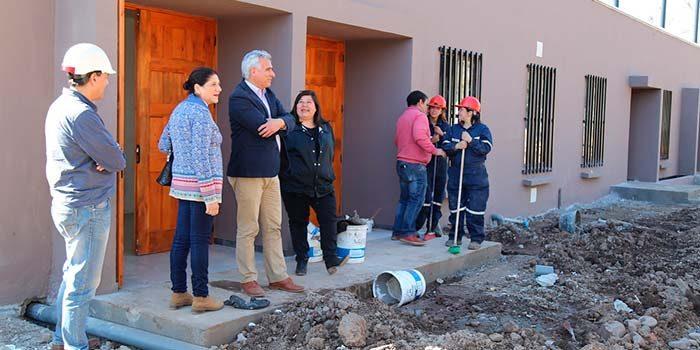 Intendente realiza recorrido inspectivo por obras que se ejecutan en Palmilla