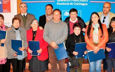 Organizaciones sociales, deportivas y vecinales de Colchagua reciben convenidos del Fondo Social Presidente de la República