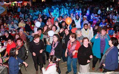 Pasamos agosto Más de mil adultos mayores celebran con la Orquesta Huambaly en Rancagua