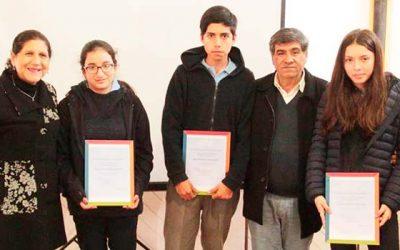 Alcaldesa de Palmilla preside premiación de concurso literario en homenaje a los cien años del nacimiento de Violeta Parra