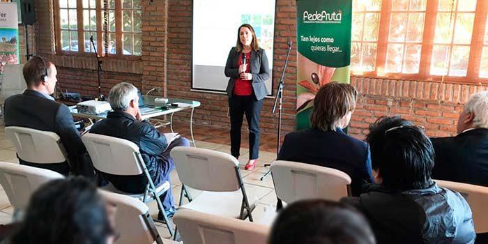 Experto alemán expone en seminario de cierre de proyecto FIC