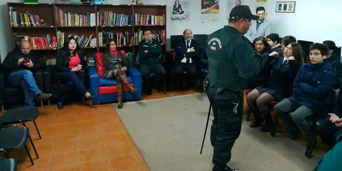 Programa preventivo de Rengo incluye a reclusos que dan a conocer su testimonio