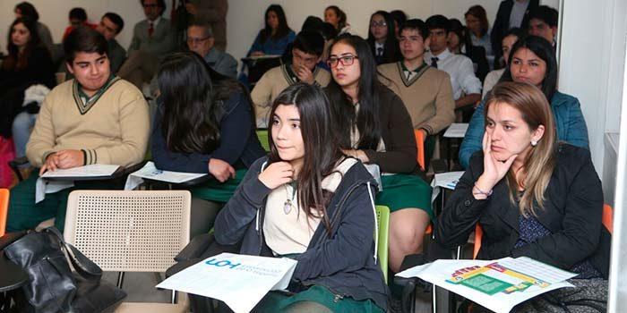 UOH da a conocer oferta académica 2018 con comunidad educativa de la Sexta Región