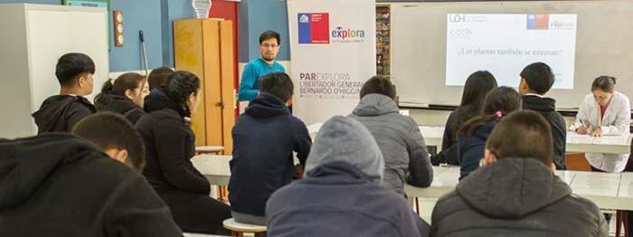 Académicos de la UOH dictan charlas científicas a estudiantes de comunas alejadas de la región