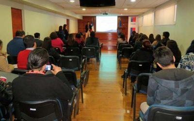Dictan charla a funcionarios de programas de Sename