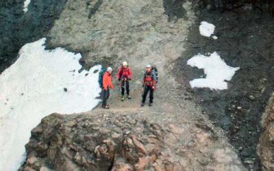 Encuentran a jóvenes montañistas extraviados en sector cordillerano de Machalí
