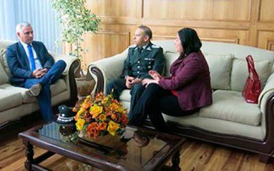 Nuevo director regional de Gendarmería se reúne con Intendente