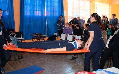 Capacitan a cuerpo docente del Colegio Gabriela Mistral en primeros auxilios
