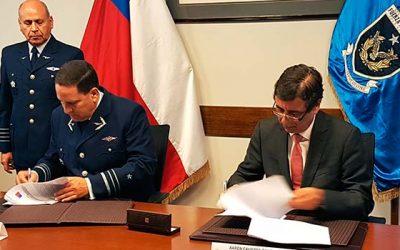 Conaf y la FACh firman convenio de cooperación para la predicción y el combate de incendios forestales