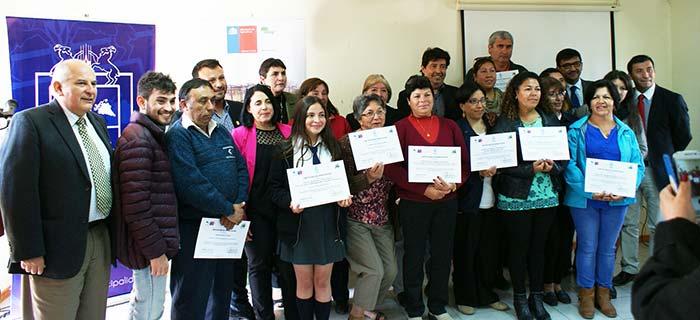Conaf y municipio entregan aportes a microempresarios en las Cabras