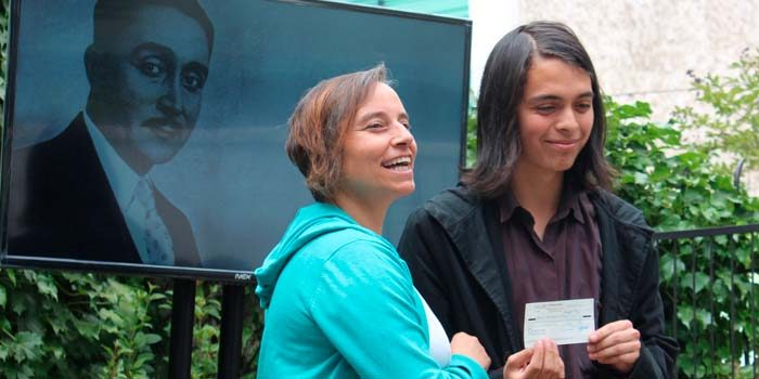Consejo de la Cultura premió al ganadordel Concurso de Poesía Oscar Castro