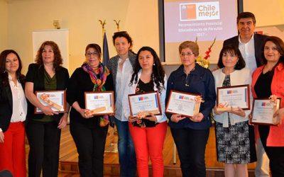 Educadoras de Párvulos de Cachapoal son reconocidas por autoridades